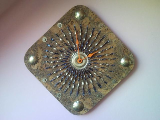 Gold Sunbeams Recycled Wall Clock Cork Tray Spray Can Coin