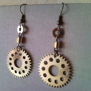 Steampunk style earrings from clockwork gear 1.