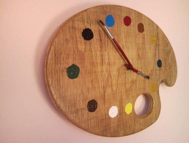 Painter palette artistic wall clock with red brush clock hands - Relojes de pared originales decoracion ...