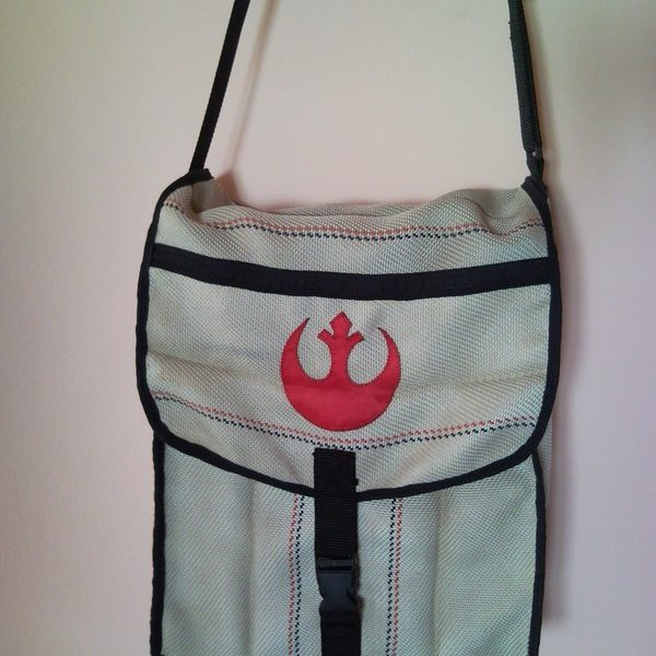 Unisex Star Wars Rebel Alliance fire hose shoulder bag