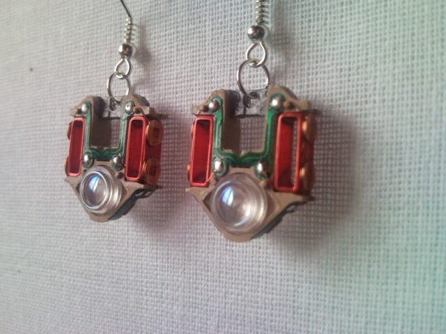 Ring In The Steampunk Decor To Pimp Up Your Home: Recycled Electric CD Player Laser Lens Steampunk Earrings 2