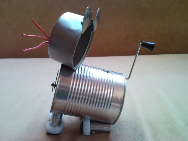 Recycled tin can cat desk table clock with crank arm tail