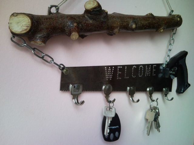 Upcycled Welcome Home Key Holder Organizer From Pad Saw