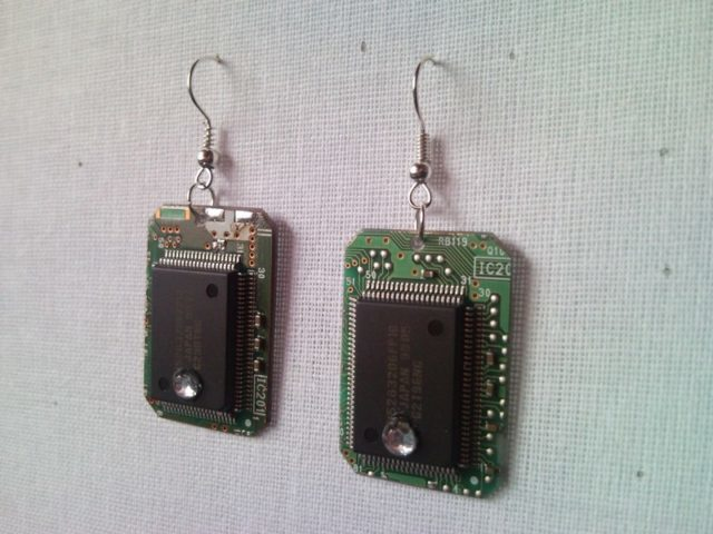 Recycled microchip PCB geekery earrings with strass 7.
