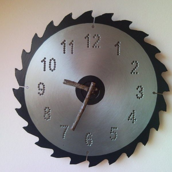 Recycled circular saw wall clock with bough clock hands