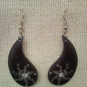 Raindrop earrings from glass of sunglasses
