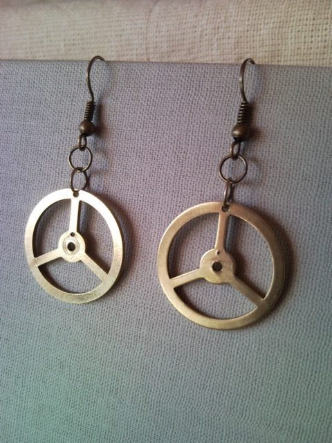 Mercedes benz emblem earrings for Mercedes benz pendant