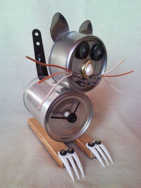 Http Creativefunny Com Shop Clock Tin Can Zombie Cat Table Clock Junk Sculpture