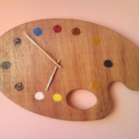 Painter palette artistic wall clock with brush clock hands 2.