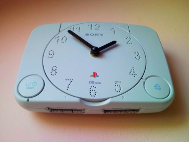 Recycle PlayStation PS1 retro video game console wall clock 3